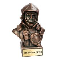 Скульптура «Бюст пожарного»