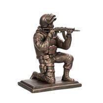 Скульптура «Боец спецназа с АКСУ на колене»