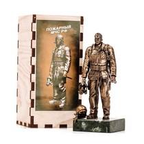 Статуэтка «Пожарный» на постаменте, масштабная модель