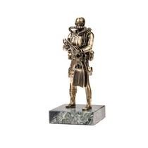 Статуэтка «Боевой пловец» на постаменте, масштабная модель